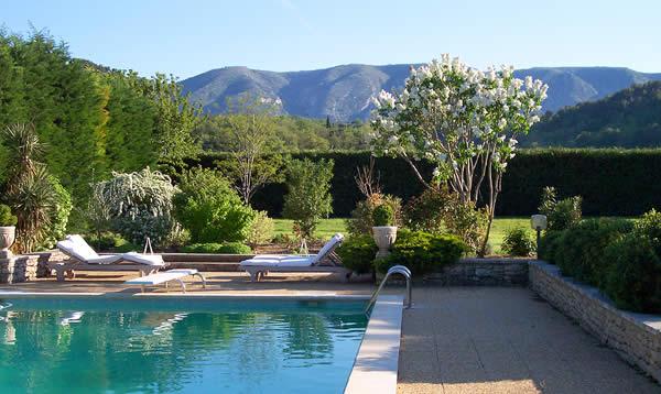 The Pampered Traveler: Le Mas du Magnolia in Ménerbes – Provence